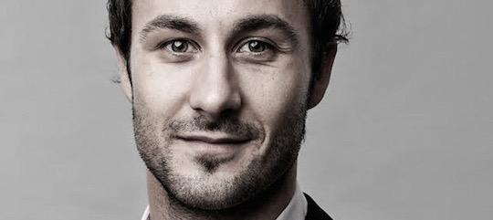 Portrait von Milan Uhe, dem Geschäftsführer von Freelance Partner